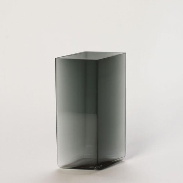 RUUTU . Vase . grau